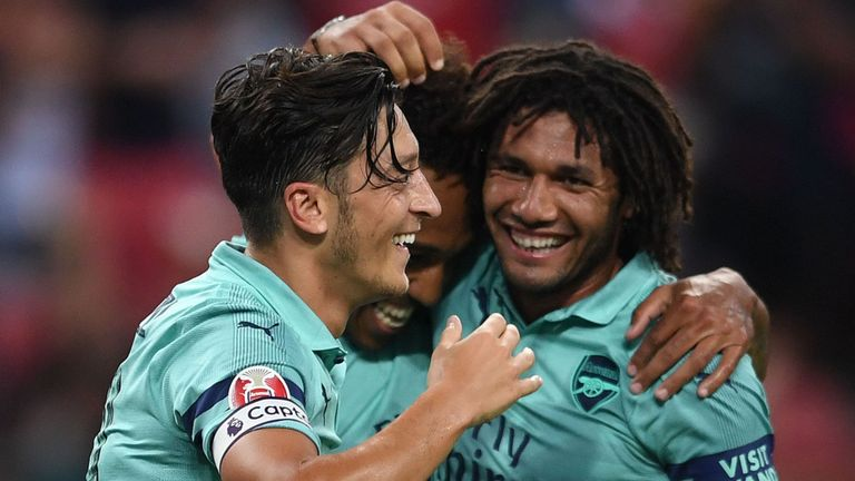 ozil-elneny-arsenal_4373978